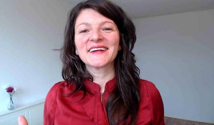 Hoe Ga Je Om Met Kritiek| Natasha Martinoska | Resultaat Life Coach | Robbins-Madanes Trained Coach