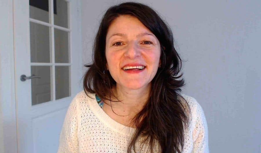 Kleine Stapjes Om Meer ZELFLIEFDE te Ontwikkelen | Natasha Martinoska | Resultaat Life Coach | Robbins-Madanes Trained Coach